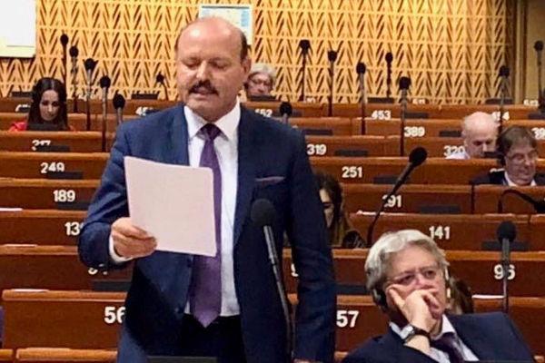Familievernprisen 2019 til Valeriu Ghileţchi ble utdelt i det rumenske parlament