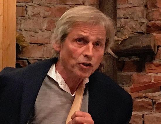 Einar C. Salvesen forsvarer Torp mot personangrep i Vårt Land